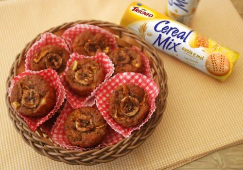 Muffin de Banana com Biscoito Cereal Mix Triunfo