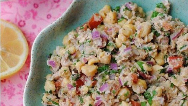 salada de grão-de-bico com atum/cybercook