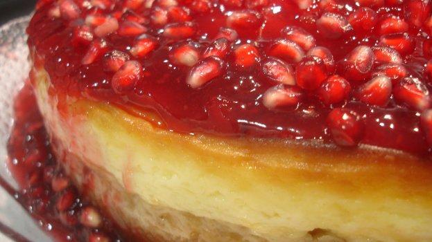 Torta de Queijo com Calda de Romã (Light)