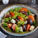 Salada de Figos e Maçãs ao Molho de Iogurte