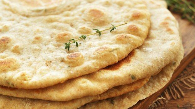 Pão de frigideira - Flat Bread de Alho e Especiarias