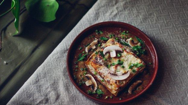 Lasanha Low Carb com Farinha de Quinoa e Cogumelos