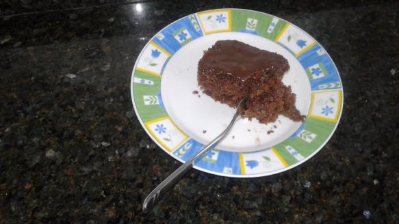 Bolo Integral  de Chocolate com Cobertura de  Pão de Mel
