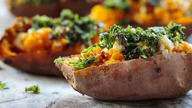 Batata Doce Recheada com Vegetais
