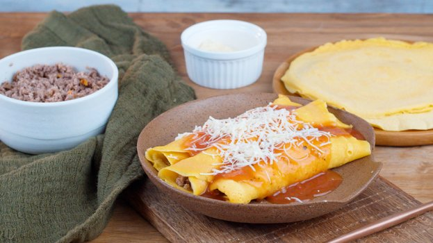Panqueca de Cenoura com Carne de Panela