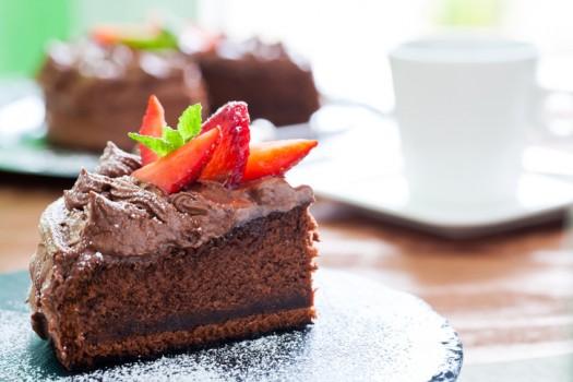 Bolo de Morango com Recheio de Chocolate