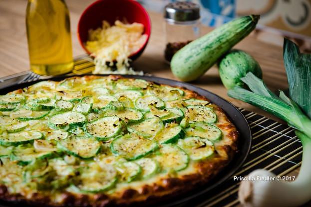 Pizza vegana de abobrinha picante
