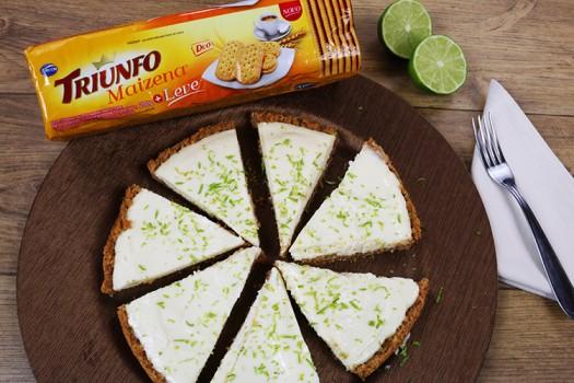 Torta de Limão com Biscoito Triunfo Maizena