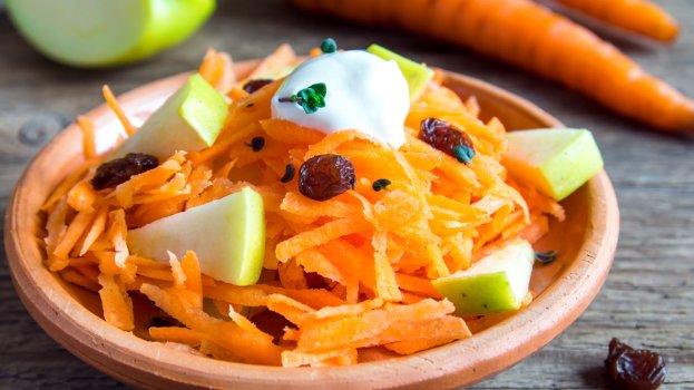 Salada de Cenoura com Uvas Passas
