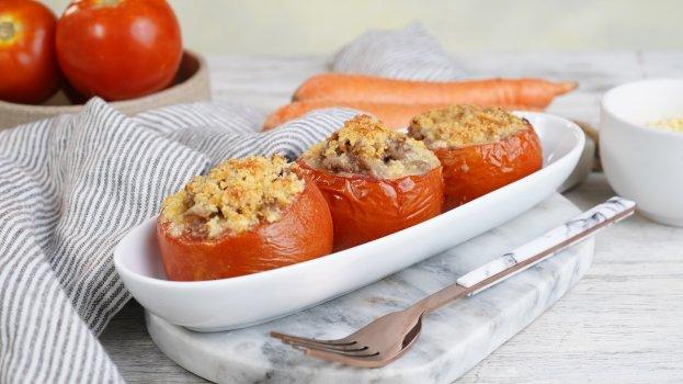 Tomate Recheado com Carne Moída e Queijo