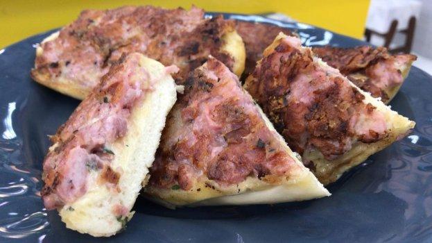 Pão de Alho com Linguiça