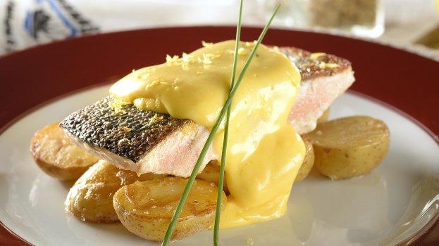 """Salmão Selvagem Keta do Alasca com """"Sauce Hollandaise"""""""