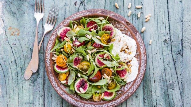 Salada Verde com Mozzarella de Búfala e Figos
