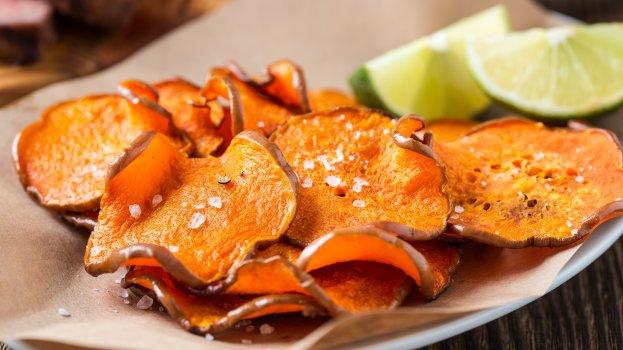 Chips de batata doce com alecrim