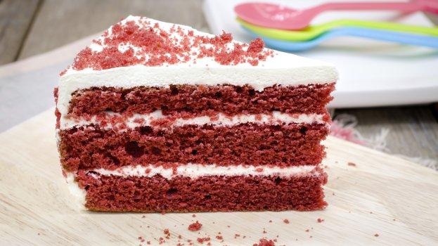 Bolo Veludo Vermelho de Beterraba (Red Velvet Cake)