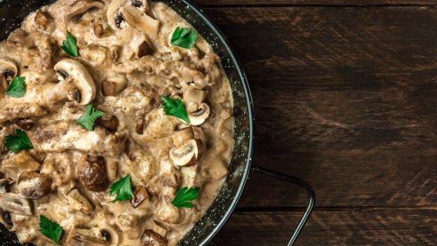 Strogonoff Vegano de Cogumelos