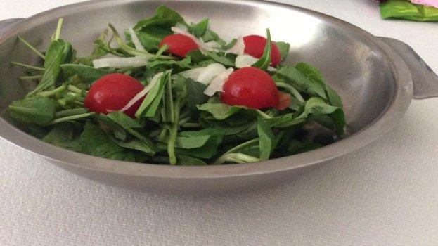 Salada Verde com Molho Especial