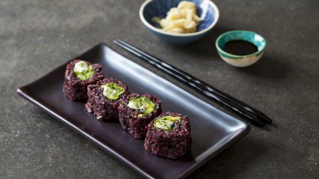 Sushi Vegano com Arroz Negro