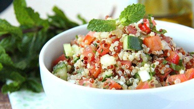 Tabule de Quinoa Agridoce (Vegano)