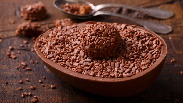 Ovo de Páscoa com Brigadeiro de Nutella