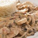 Estrogonofe de Cogumelos com Creme de Inhame
