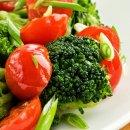 Salada de Brócolis com Tomate Cereja
