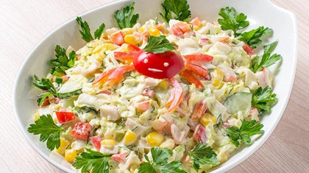 Salada de Kani Kama